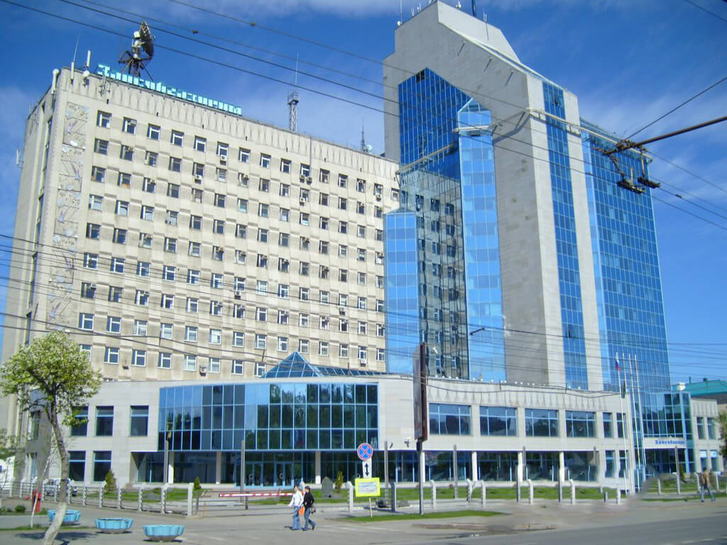 A frontal view of the Gazprom Administrative Building, its facade completed with BILDA rainscreen system.